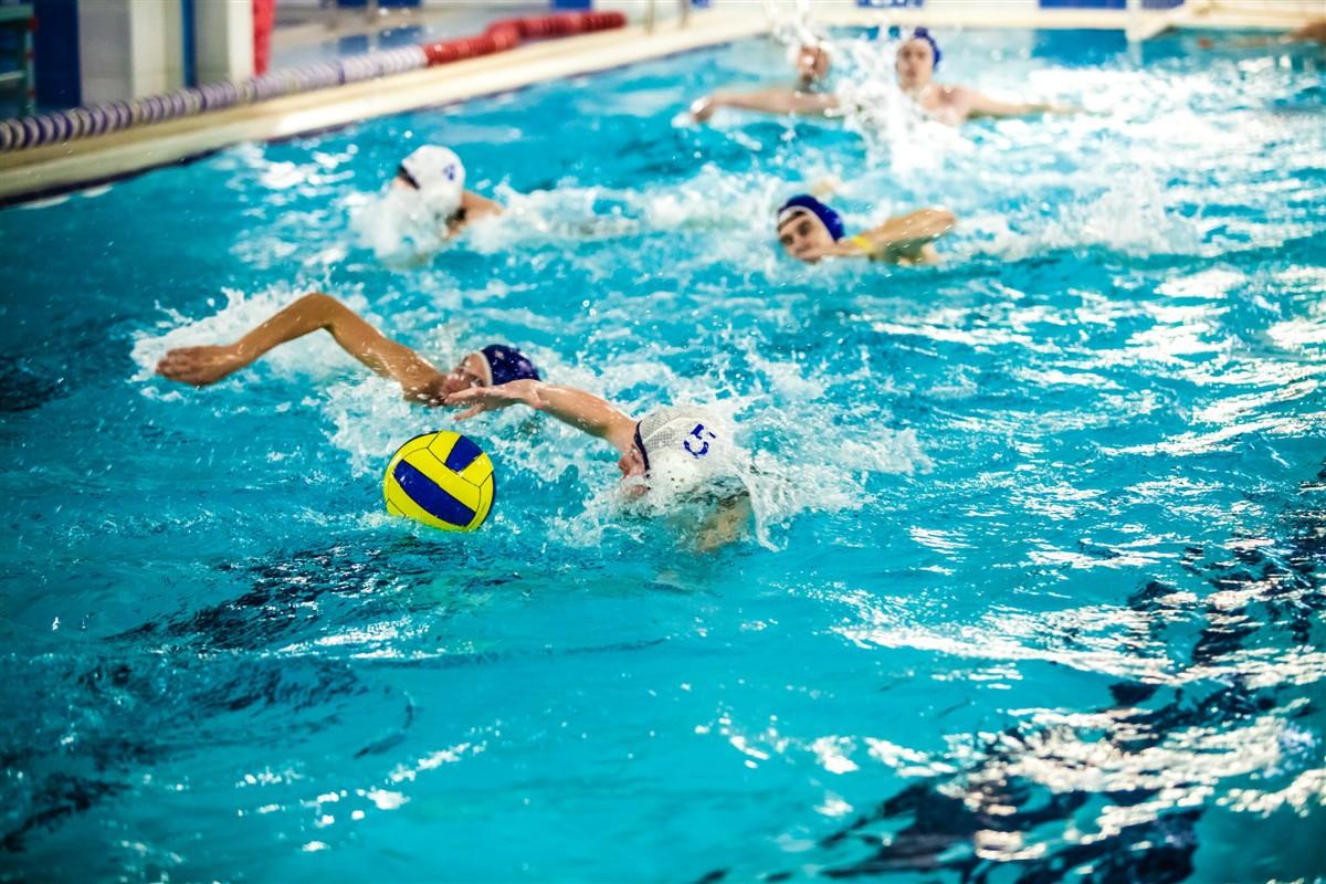 Занятия в бассейне для детей и взрослых Фитнес клуб с